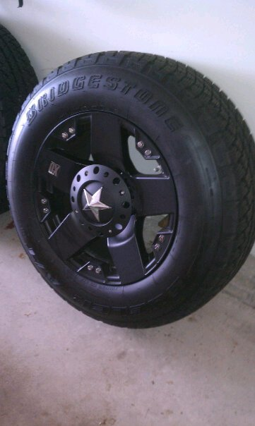 Click image for larger version  Name:tire.jpg Views:84 Size:35.9 KB ID:29026