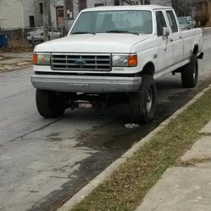 "1987 F350 6.0L IDI not running ""Yet"" lifted, 32"" tires includes Veggie conversion.."